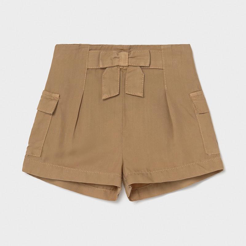 Pantalón corto fluido Ecofriends bebé niña. Goma elástica regulable en la cintura para ajustar el talle. Bolsillos en los laterales.Caramelo
