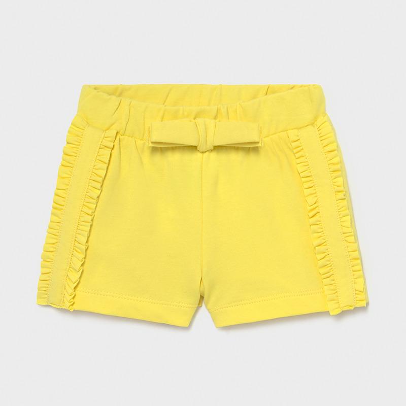 Pantalón corto punto bebé niña mayoral. Goma elástica en la cintura para un mejor ajuste. Lazo en cintura, detalle en los laterales.