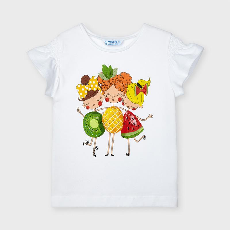 Prenda ECOFRIENDS, contiene algodón sostenible. Camiseta de manga corta para niña de 2 a 9 años. Cuello redondo. Modelo de nuestra colección de prendas básicas con diseño clásico, ideales para completar cualquier conjunto. Suave tejido de algodón elástico. Elementos de adorno: aplique decorativo.